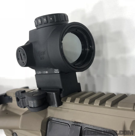 Quick release mount of the MRO Green Dot.