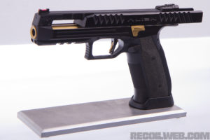 Alien Gun from Laugo Arms! Exclusive Photos and Details